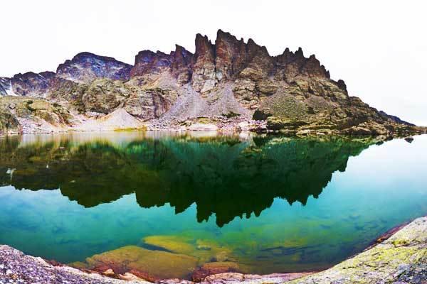 Sky-Pond-Rocky-Mountains-Colorado-USA