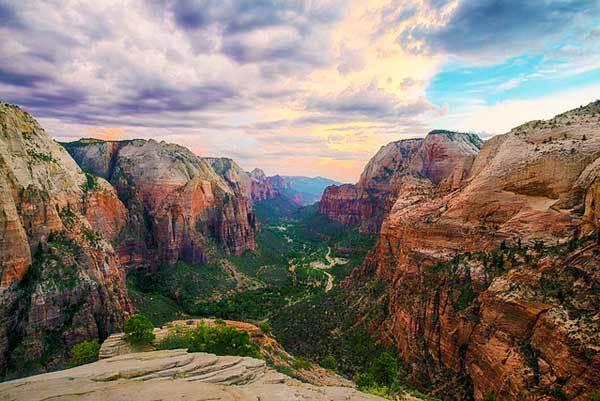 Angels-Landing-Zion-Utah-USA