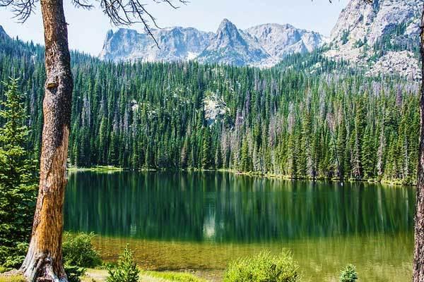Bear-Lake-to-Fern-Lake-Rocky-Mountains-USA