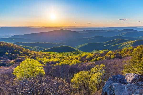Bearfence-Mountain-Virginia-USA