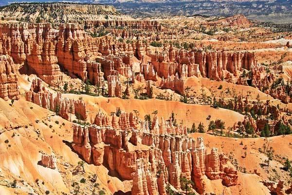 Bryce-Canyon-Amphitheater-The-Narrows-Utah-USA