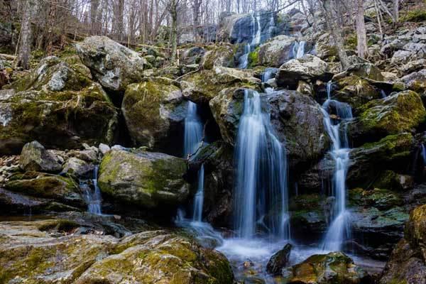 Dark-Hollow-Falls-Virginia-USA