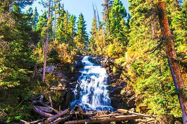 Fern-Falls-Rocky-Mountains-USA