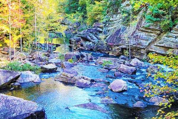 Georgia-hikes-apalachian-trail
