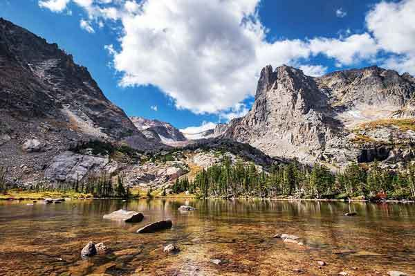 Lake-Helene-Rocky-Mountains-USA