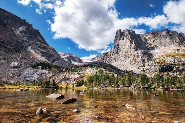 Lake-Helene-Rocky-Mountains-USA