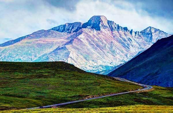 Longs-Peak-Rocky-Mountains-USA