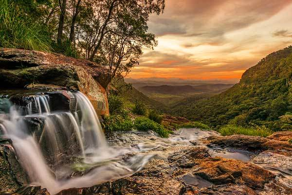 Morans-Falls-valley-of-echoes-australia