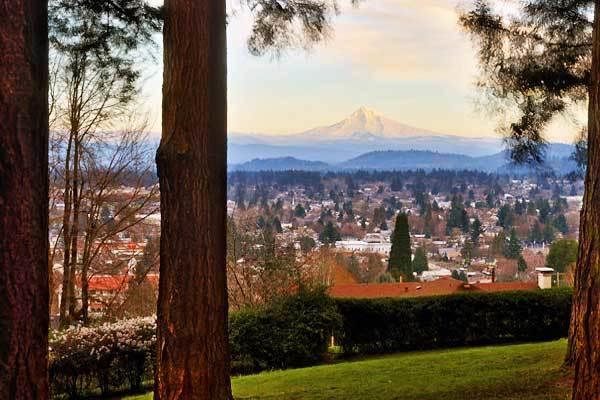 Mount-Hood-from-Mount-Tabor-Park-Portland-Oregon-USA