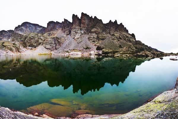 Sky-Pond-Rocky-Mountains-USA