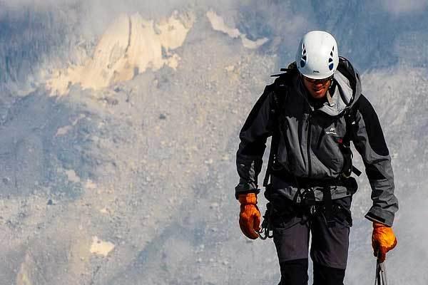 Best-climbing-helmets