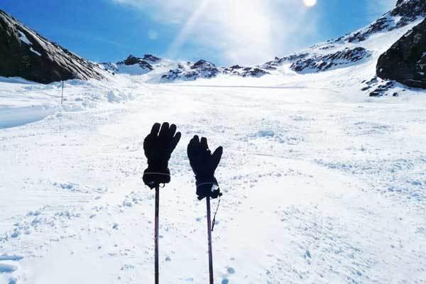 Best-hiking-gloves