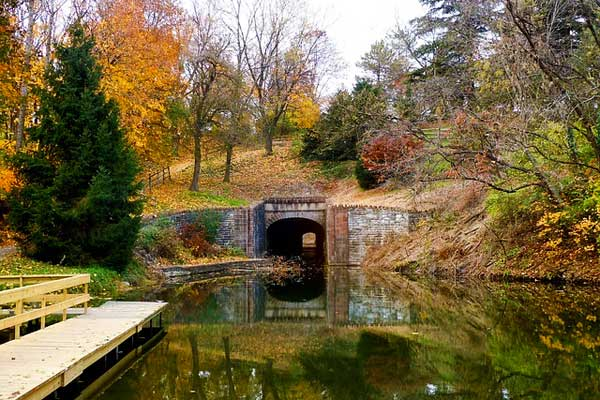 Appalachian-Trail-PA-Pennsylvania-Autumn-Water