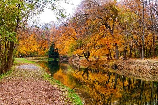 Appalachian-Trail-PA-Pennsylvania-Fall-Colors-River