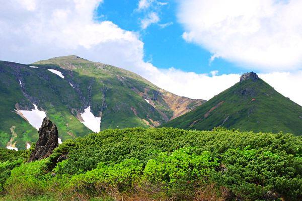 Daisetsuzan-National-Park-hiking-in-Japan