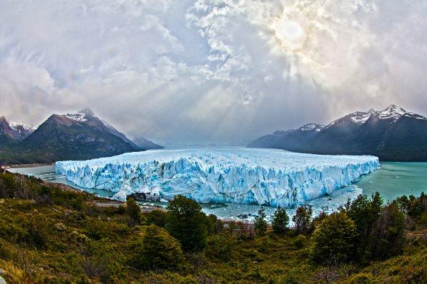 Perito-Moreno-Glacier-argentina-hike
