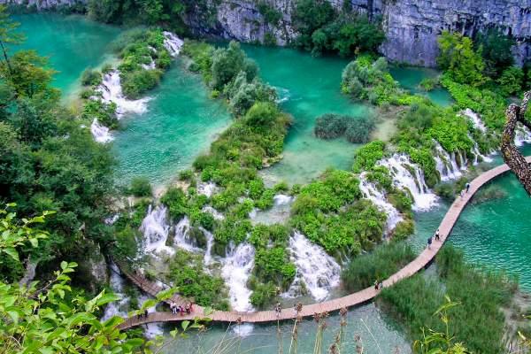 croatia-lake-hike