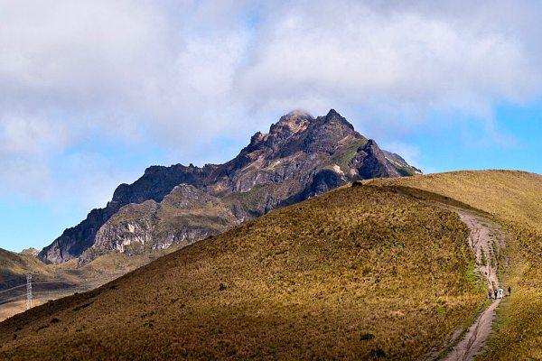 Rucu-Pichincha-hike-ecuador