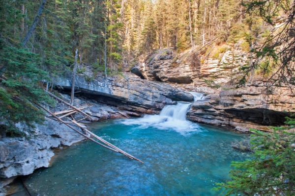canada-johnston-canyon-falls