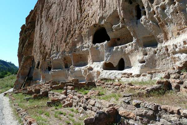 cliff-dwellings-bandelier-national-monument-new-mexico