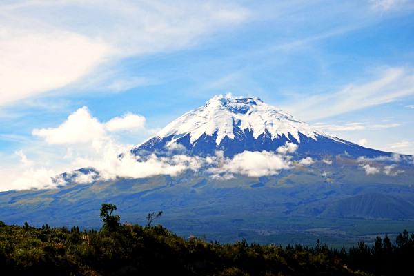 cotopaxi-hiking-in-ecuador