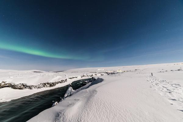 hiking-iceland-trails-snow