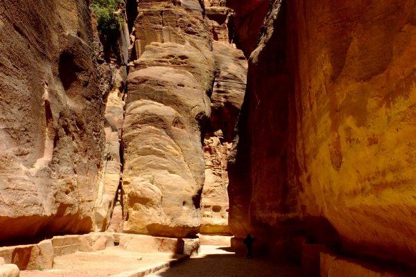 hiking-jordan-araba-valley
