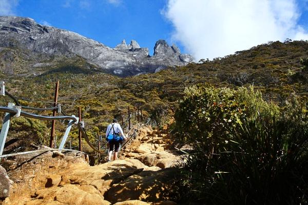 hiking-mt-kinabalu