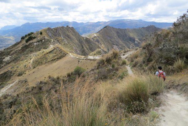 hiking-quilotoa-loop