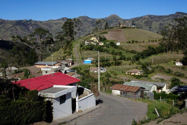 isinlivi-ecuador-quilotoa