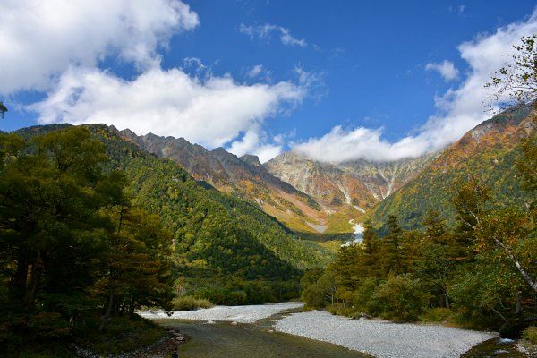 kamikochi-hiking-in-japan