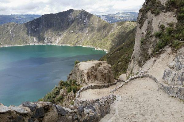lake-quilotoa-trail