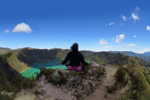 quilotoa-views-lake