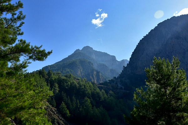 samaria-gorge-hiking-in-greece