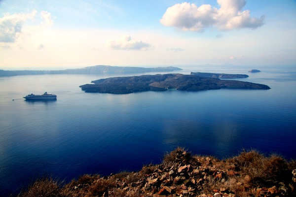 santorini-caldera-trail