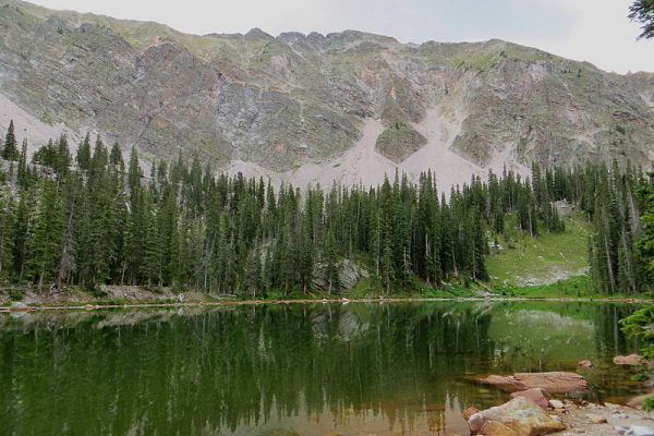 trampas-lake-trail-in-new-mexico