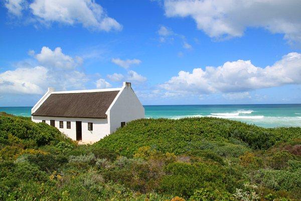 whale-trail-de-hoop-south-africa