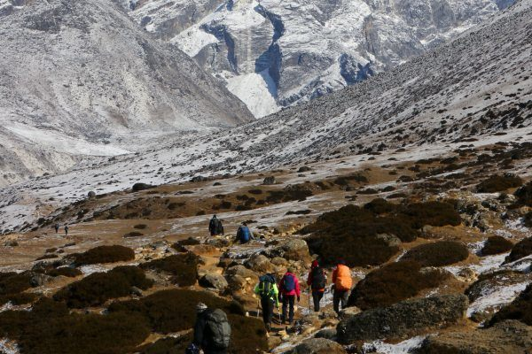 hiking-to-lobuche