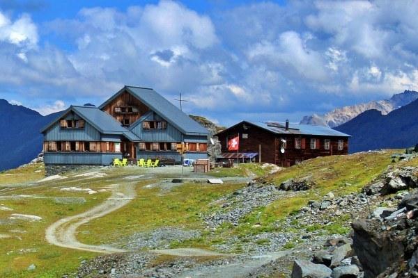 haute-route-mountain-huts