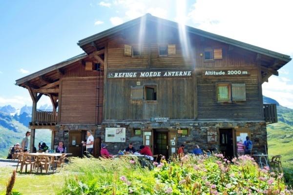 tour-du-mont-blanc-guest-lodge